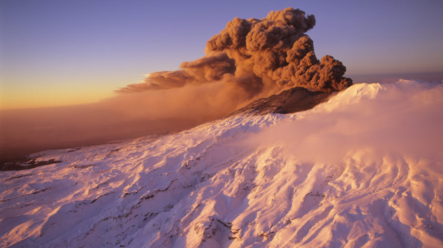 fw-central-plateau-mt-ruapehu-eruption-landscape