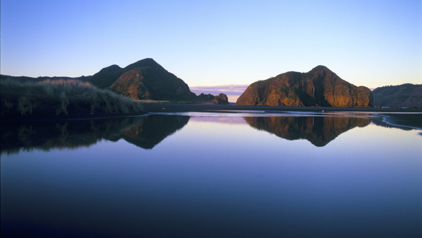 fw-auckland-whatipu-lagoon-reflections-1
