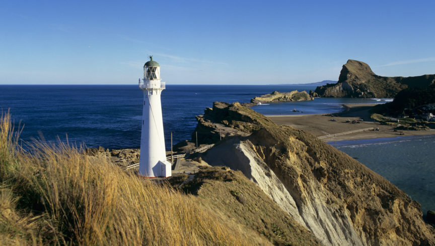fw-wairarapa-castlepoint-lighthouse-landscape